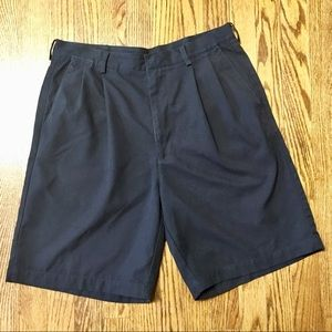 Men's Nike golf black shorts size 32